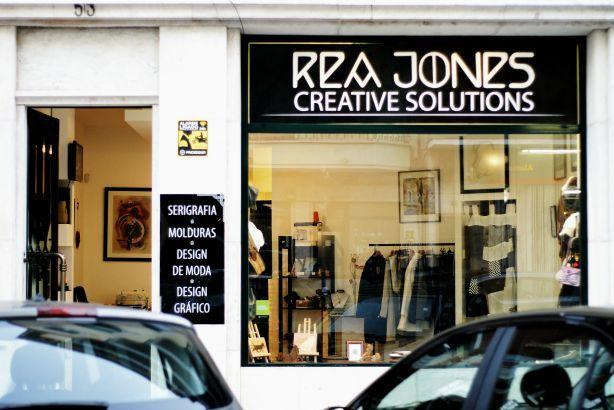Foto 1 de Rea Jones - Creative Solutions