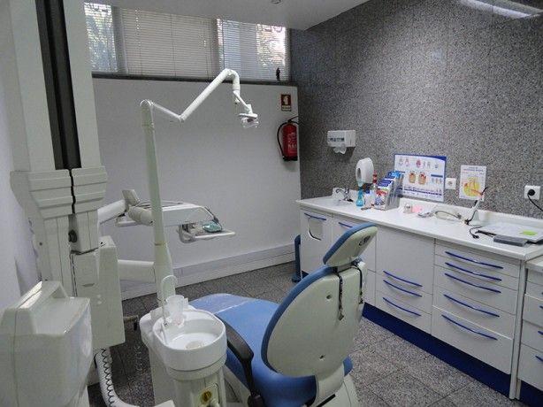 Foto 1 de Clínica Dentária Especializada (Oeiras)