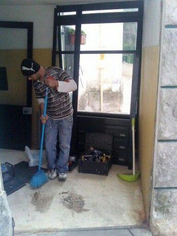 Foto 2 de Reparações de estores e caixilharias