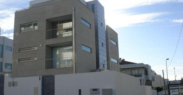 Foto 2 de Caixilgaia, Lda - Serralharia de Alumínio e Ferro